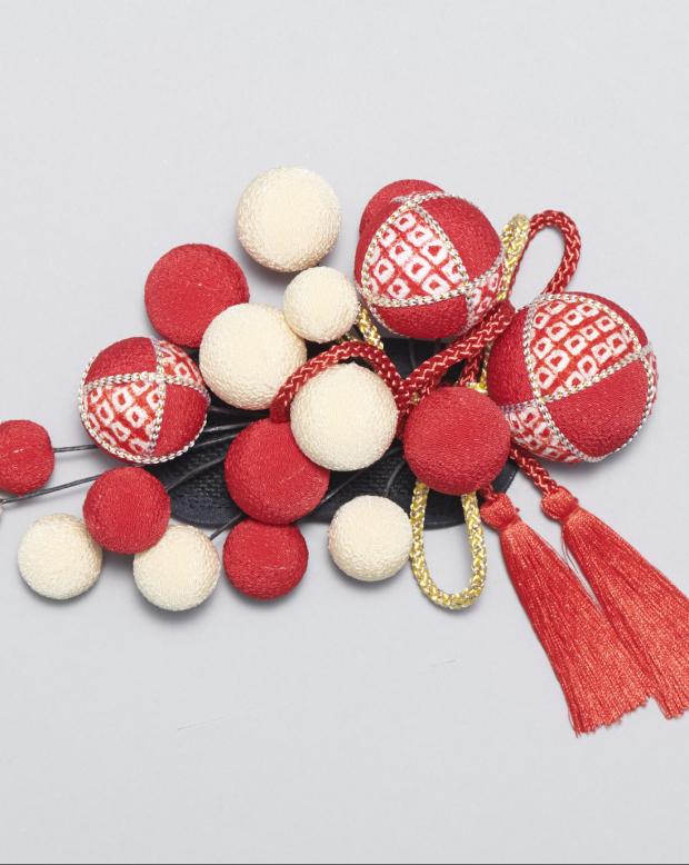ラブリス髪飾り(赤X白)まり・ポンポン