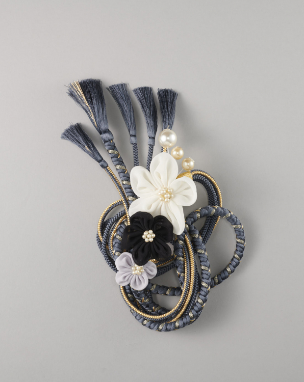 ラブリス帯締め(黒X金X白)花