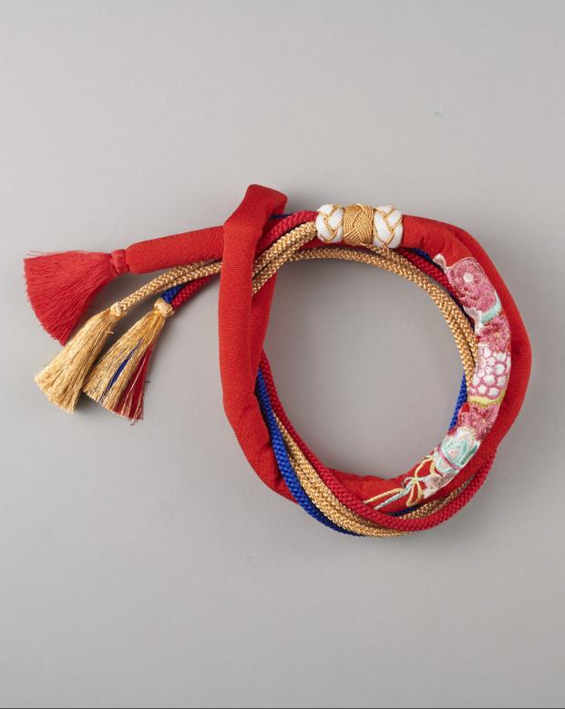 ラブリス帯締め(赤)丸くげ・まり刺繍