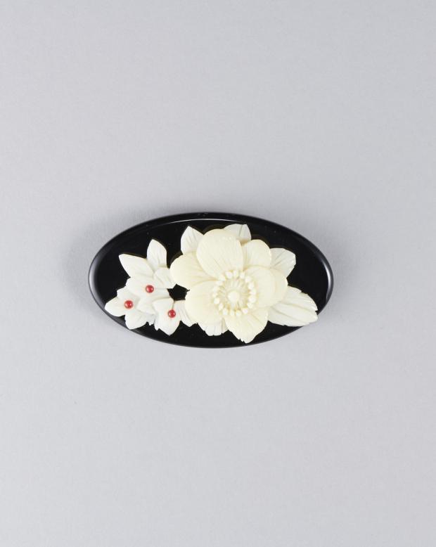 ラブリス帯留め(黒)花