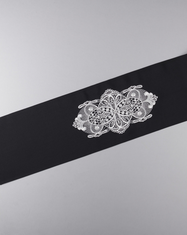 ラブリス半衿(黒)白刺繍
