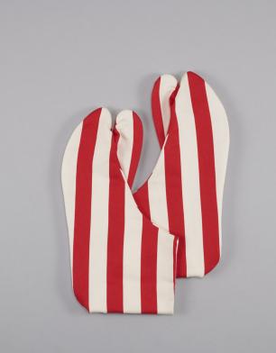 ラブリス足袋(白X赤)ストライプ